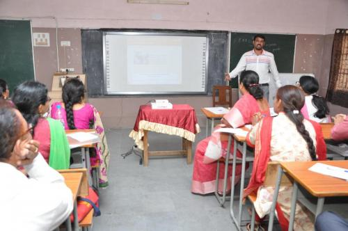 20160811 Teachers Training, Class Demonstration by teachers in Hyderabad